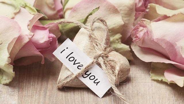 バレンタインのメッセージ 付き合い立ての書き方は?