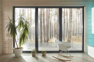 窓ガラスの熱割れを放置したら危険!対処法や簡単に予防できる方法!
